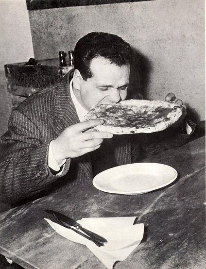 eatingpizza2.jpg