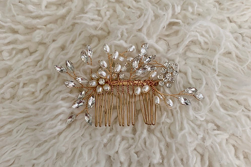 Diamond and pearls hair comb