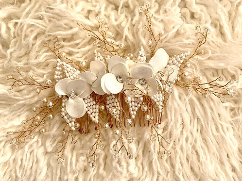 Field of flowers hair comb