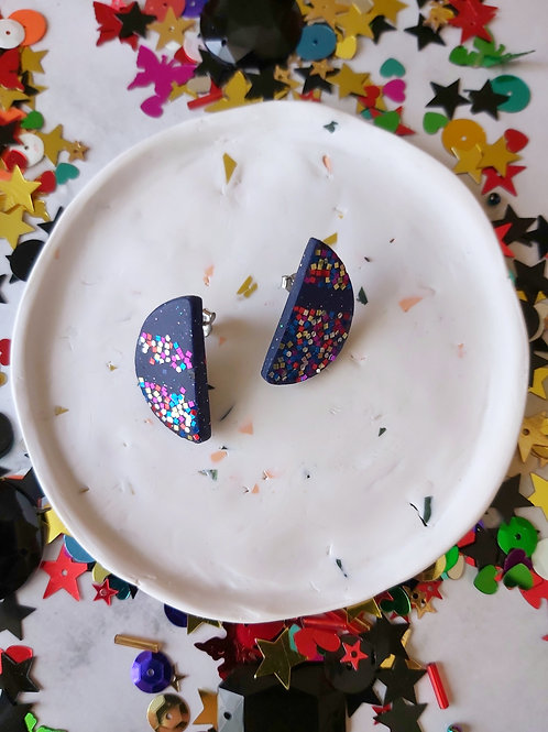Discotheque semicircle studs - Polymer Clay