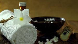 thai aromatherapy massage.jpg