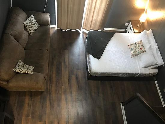 cabin106.jpg