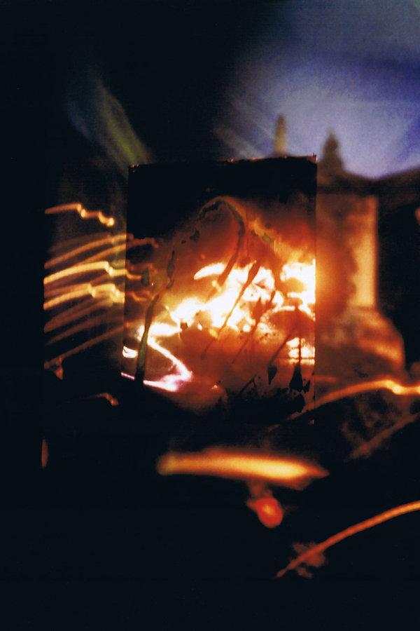 2   Incendiati, 1996, videoproiezione su
