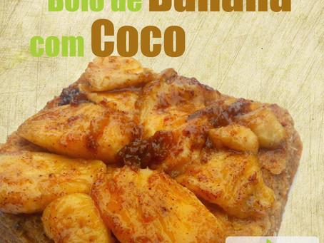 Bolo de banana e coco