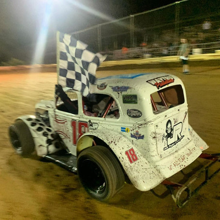 Blaine Leppo Claims Victory at Linda's