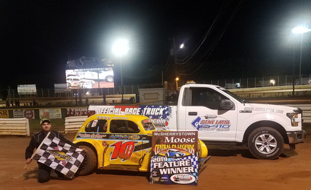 Jeremy Ott Charges to Legends Victory