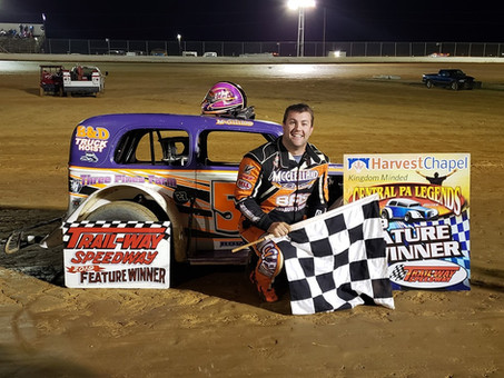Travis McClelland Races To 1st Legends Win At Trail-Way Speedway