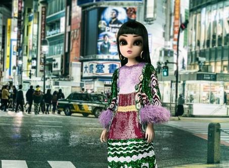Os influenciadores futuros são virtuais.  Noonoouri conquista o mundo da moda internacional.