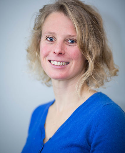 Docteur vétérinaire Valérie Delavant cabinet Vet'équilibre d'exercice exclusif de l'ostéopathie et de l'acupuncture animale Aspremont Nice Alpes-Maritimes