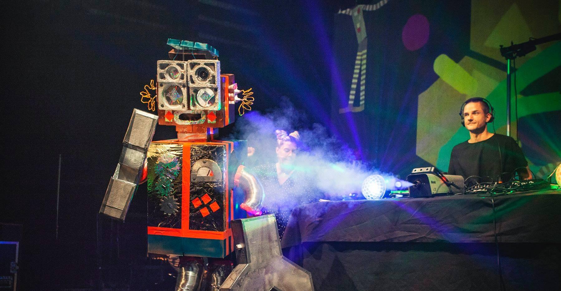 Robot suit for Skidit Festarit