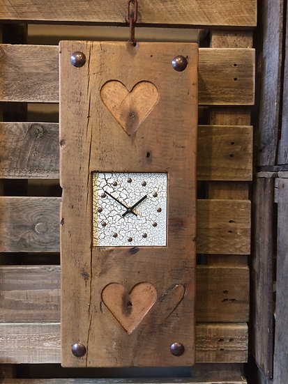 Vintage Crackle Double Heart Clock