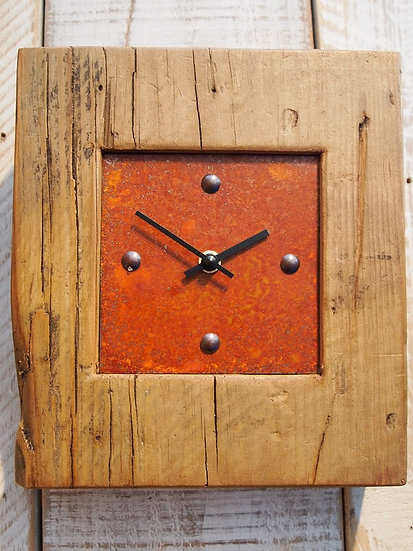 Vintage Rustic Mantle Clock
