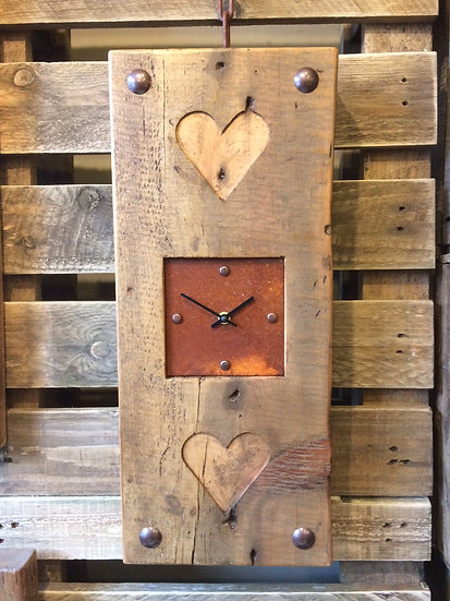 Vintage Rustic Double Heart Clock