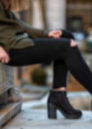Woman fall wear street style with black