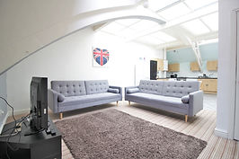 Student-letting-agent-living room  1.JPG