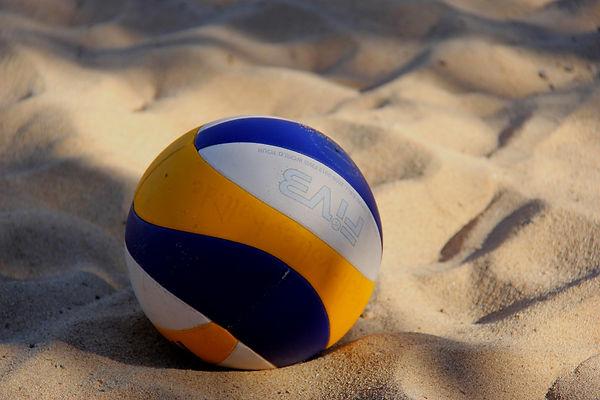 volleyball-2639700_1920_edited.jpg