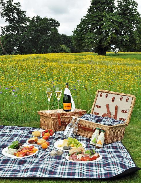 picnic hamper.jpg