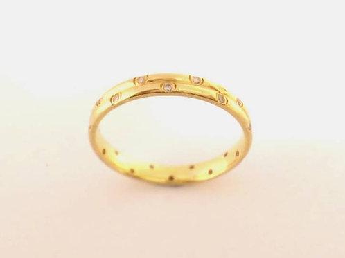 Ladies 18ct gold & diamond wedding ring3mm uk size O