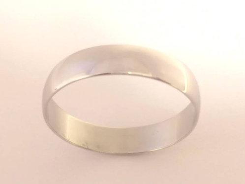platinum wedding ring  4.4gms gents uk size W