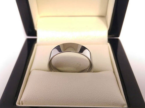 Platinum heavy wedding ring uk size N