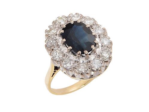 Large 18ct Yellow Gold Sapphire & Diamond Ring