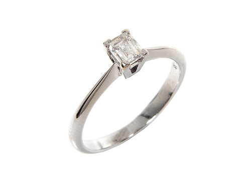 3b9b088938a4f7 Millennium Platinum & Diamond Ring 0.38ct.