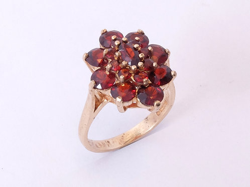 Vintage 9ct Gold Garnet Ring