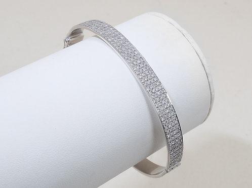 18ct White Gold Pavé Set Diamond Bangle 2ct