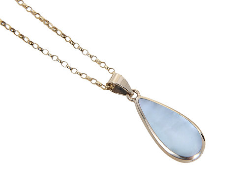 9ct Yellow Gold Mother of Pearl Pendant & Chain