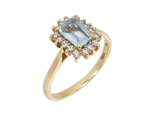 Vintage 18ct Yellow Gold Aquamarine & Diamond Ring