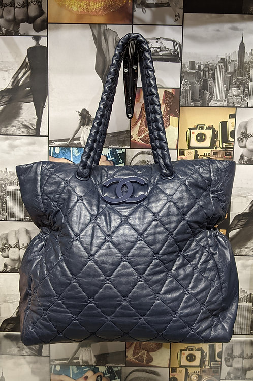 CHANEL Hidden Chain Navy Quilted Tote Large