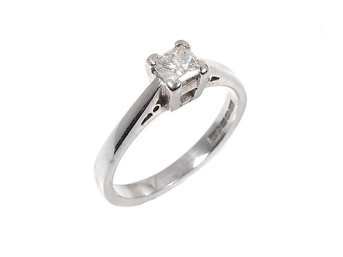 18ct White Gold Princess Cut Diamond Solitaire Ring 0.33ct