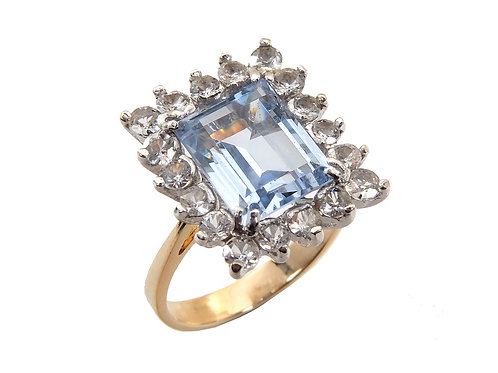 18ct Yellow Gold 3.5ct Aquamarine & Diamond Ring