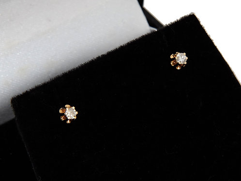 Antique Style 18ct Yellow Gold Diamond solitaire Earrings