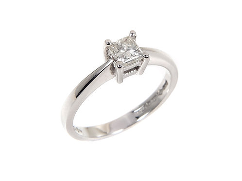Platinum Princess cut Diamond Solitaire Ring 0.30ct
