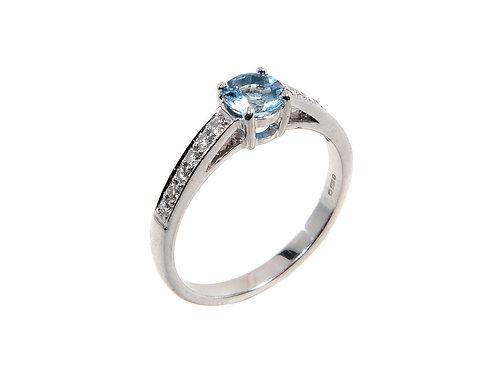 18ct White Gold Topaz & Diamond Ring