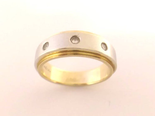 14ct two tone gold & diamond band