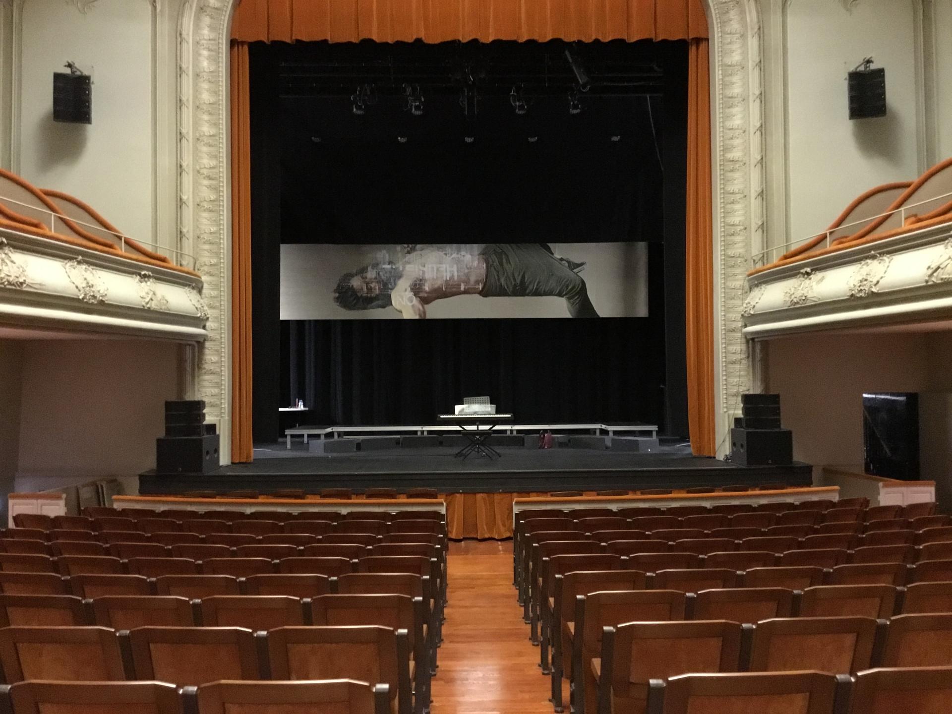 2016 Câtel Guyon, Théâtre
