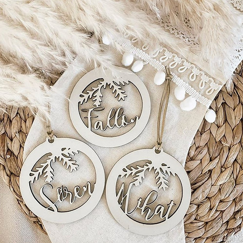 Personalized Wooden Hanging Wreath