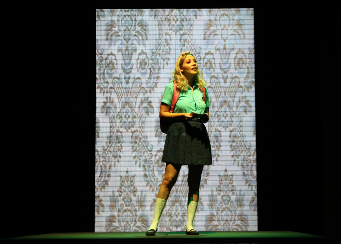 Gaby Andrade como Marta