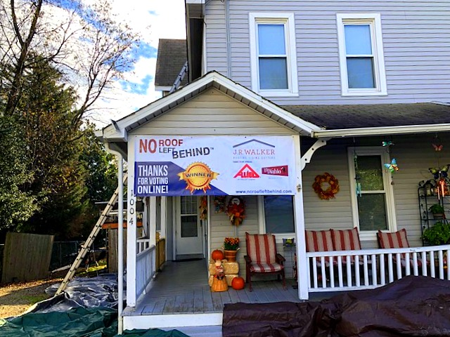 Install 11-14-17 Barlow House with Banner