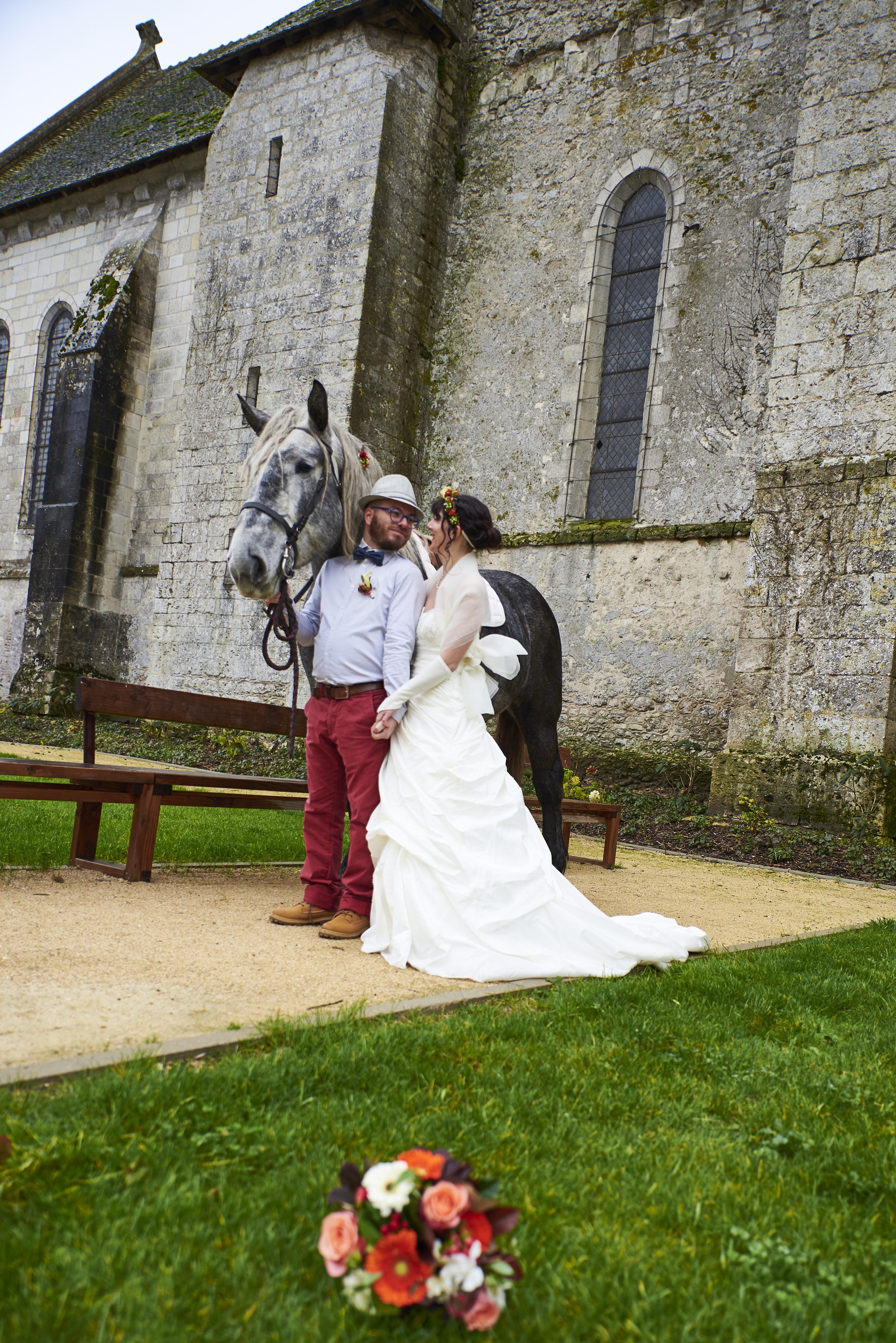cheval mariage mariés