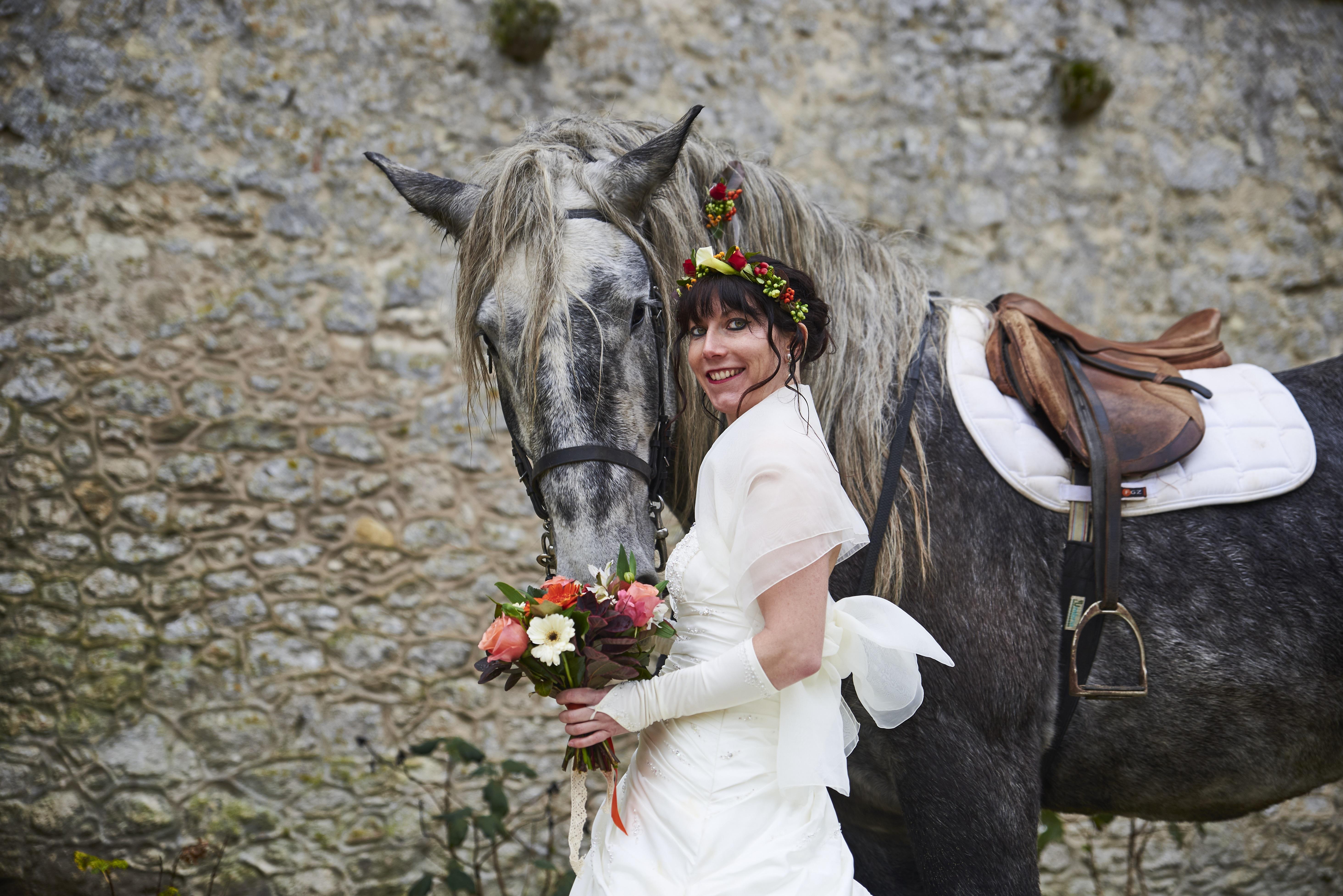 cheval mariée fleur
