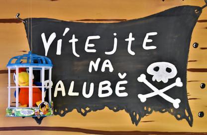 vítejte, pirát, papoušek
