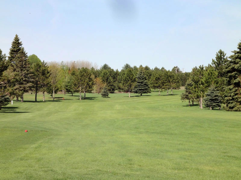 Hole 1 at The Pines