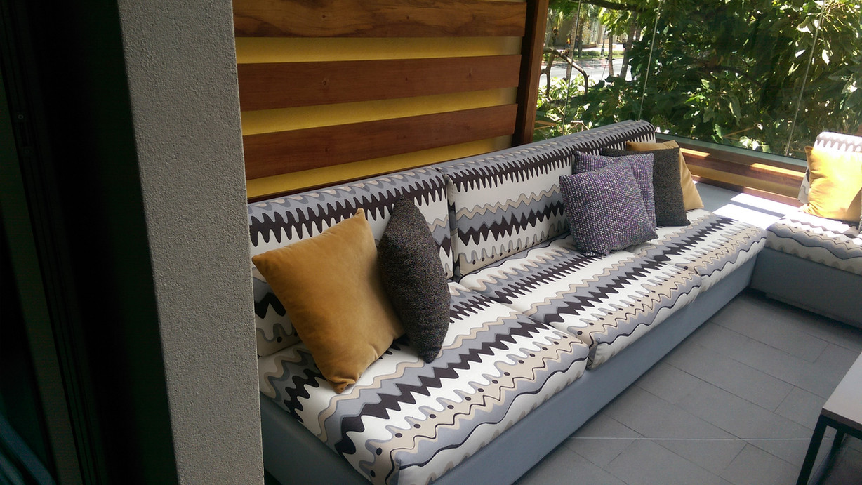 IMAG0941 -Outdoor Uph. Relax K1a.jpg