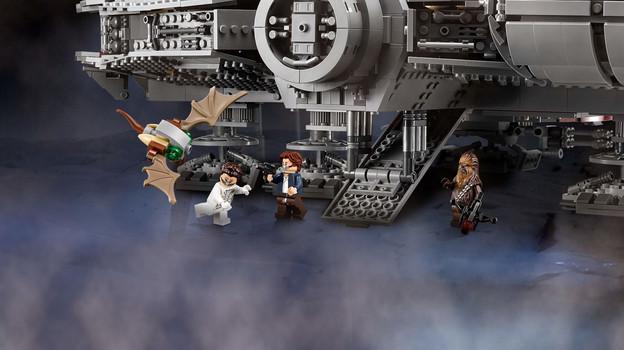 LEGO_75192_INT_6.jpg