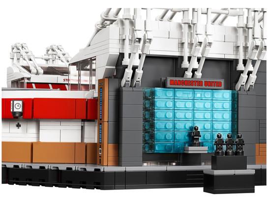 lego-10272-26.jpg