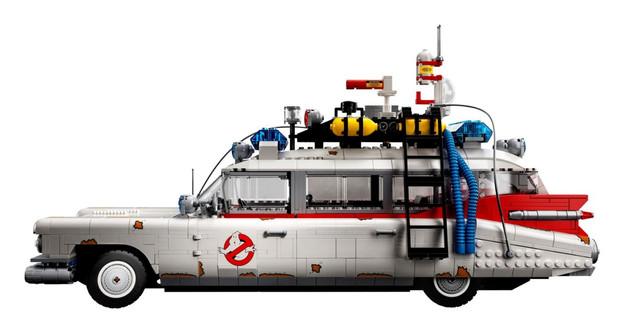lego-10274-03.jpg