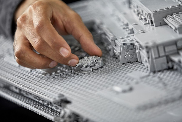 LEGO_75252_INT_31.jpg